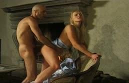 Puttanela amante del sesso anale